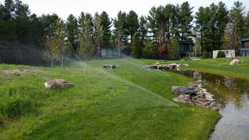 irrigation-systems-spraying-water